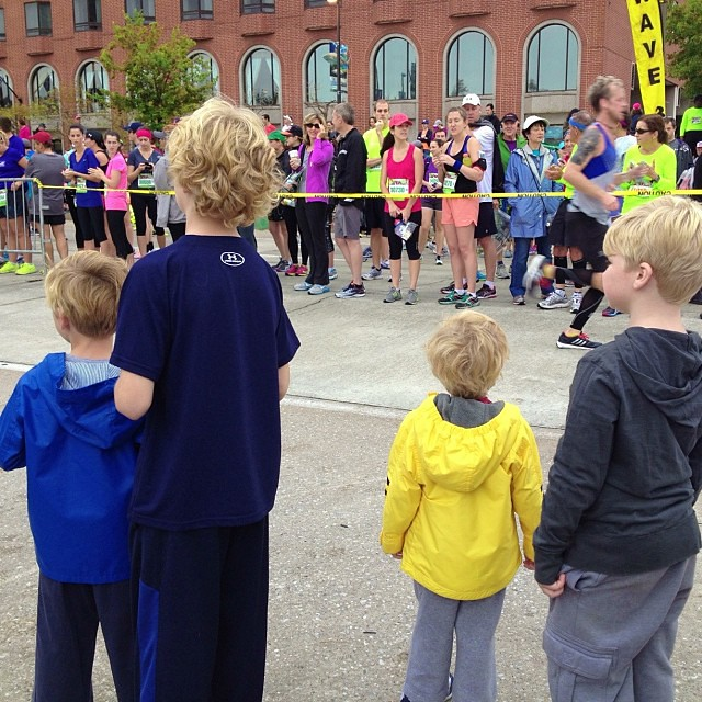 Watching for Poppy at the halfway mark...13.1 @ 1:35 with 13.1 more to go! #baltimorerunningfestival, #mydadisfast