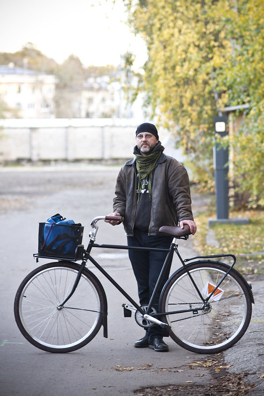 Portraits of people on bikes : Raul