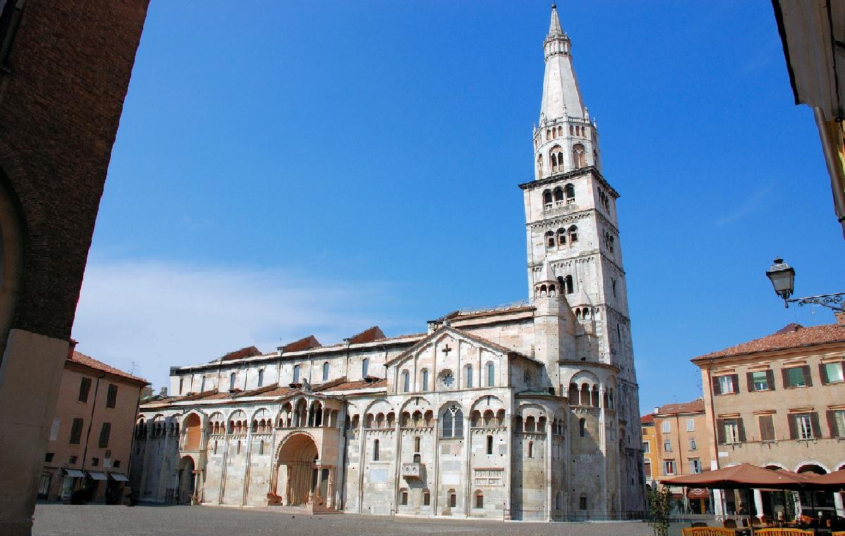 24. Catedral de Modena. Autor, Giopie
