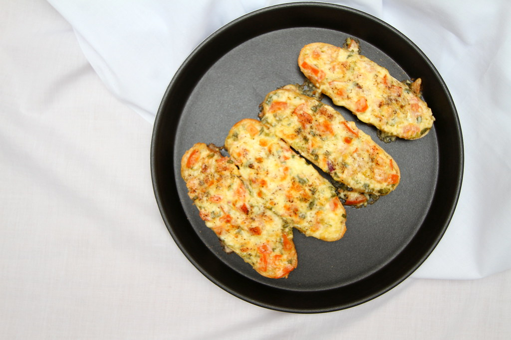 Samsung Smart Oven Brunch: Cheesy Bread