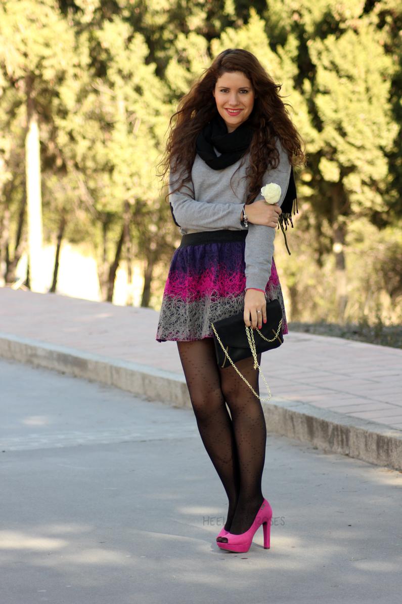 jersey-gris-con-falda-rosa-heelsandroses-(4)