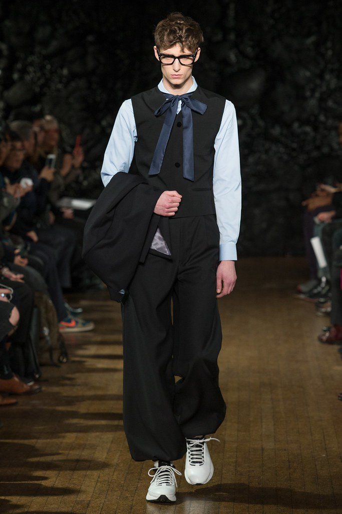 FW14 London Xander Zhou024_Laurie Harding(VOGUE)