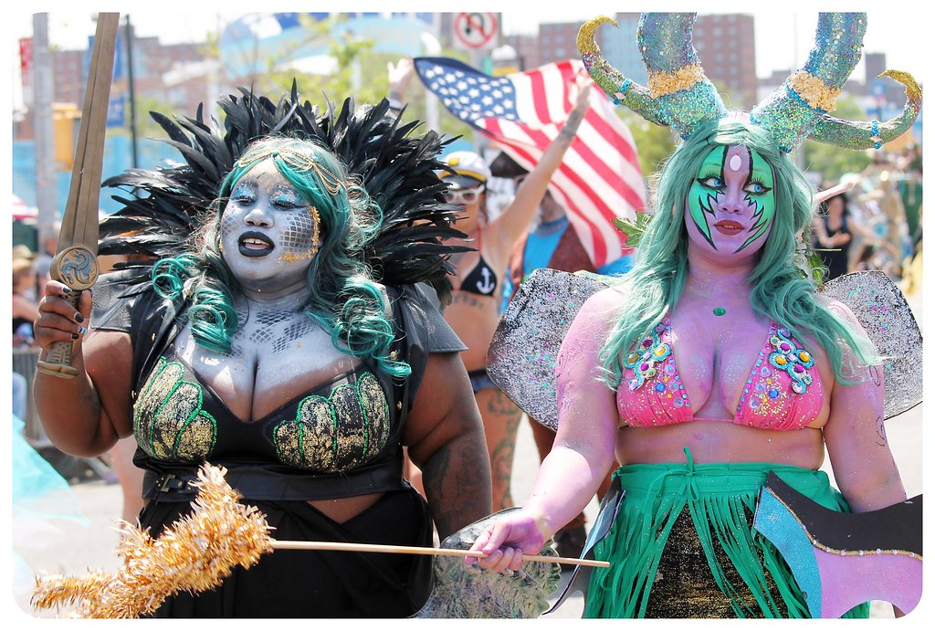 coney island mermaid parade 2014 girls