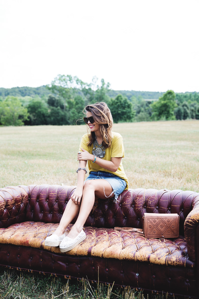 LidL_Ice_Cream-Levis_Vintage_Skirt-Yellow_Top-Espadrilles-Outfit-5