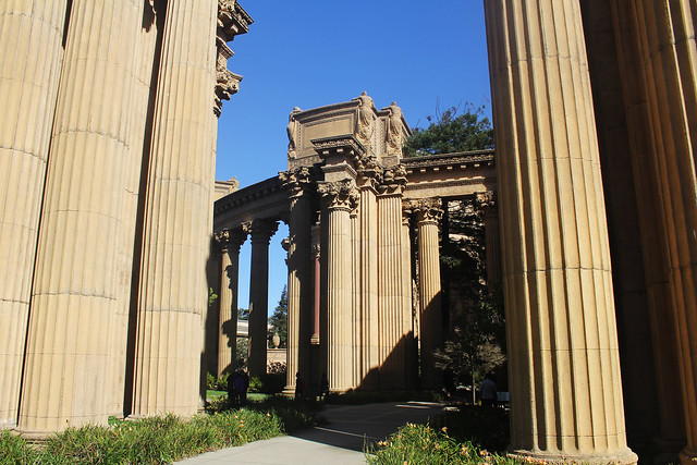 Palace of Fine Arts columns