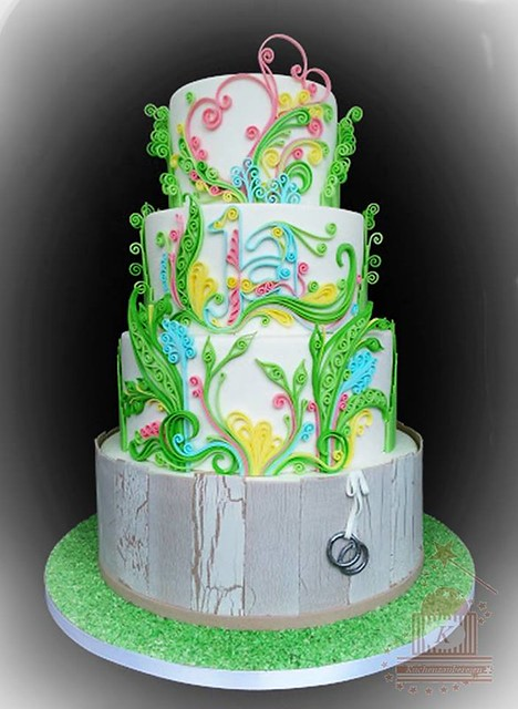 Quilling Wedding Cake created by Peggy Harink of Meine Kuchenzaubereien