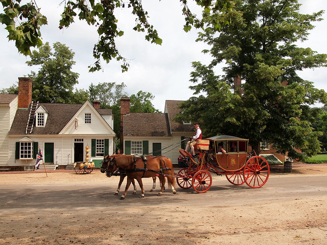 Horse and carriage in Williamsburg
