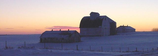 Winter white barns 09Dec05 06