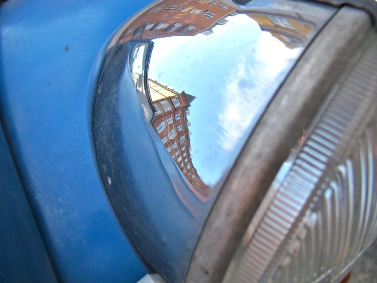 Headlight reflection