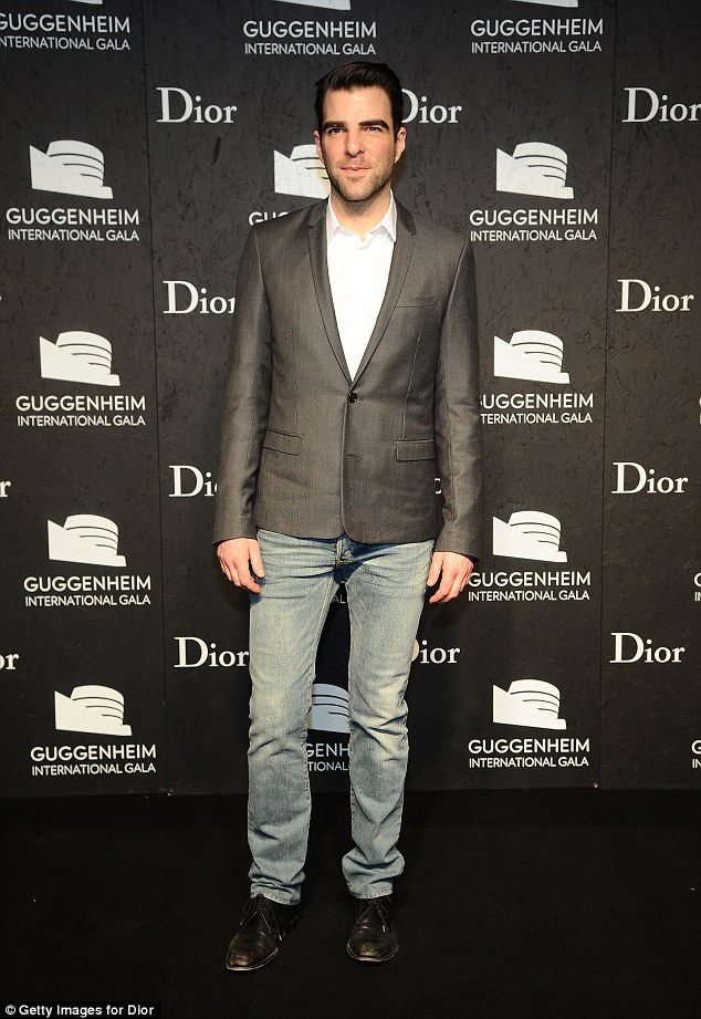 Zachary-Quinto-in-jeans-&blazer-look