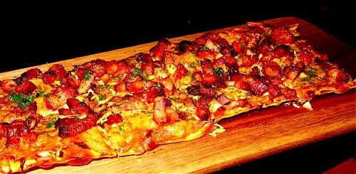 onion-bacon tarte flabee