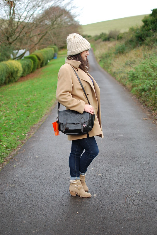 chambray and curls casual autumnal outfit