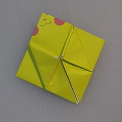 mookeep-วิธีพับกระดาษเป็นรูปปิกาจู-01-014