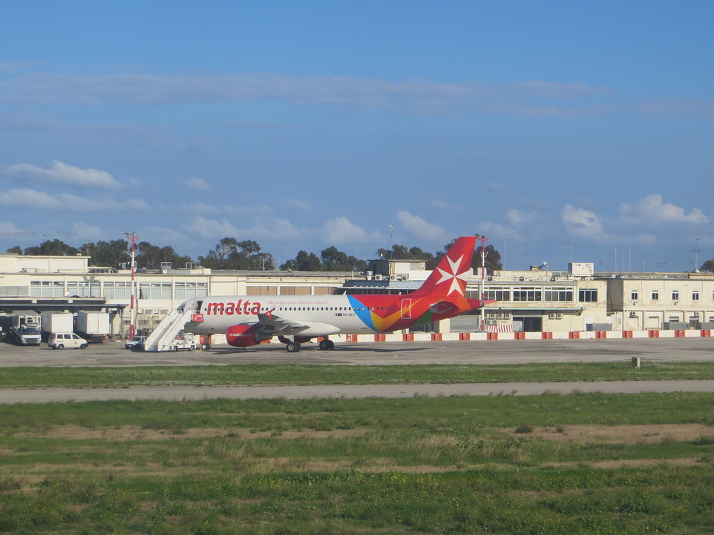 Malta (Valletta/Luqa) Airport (MLA / LMML) 11717593275_774eab4ca7_b