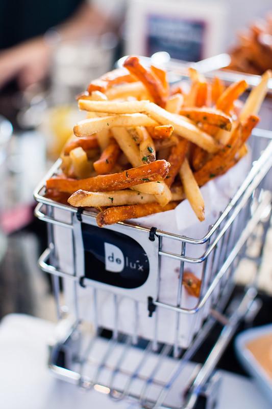 Delux Burgers