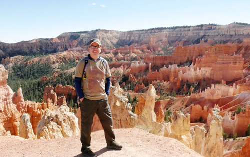 Tue, 10/04/2016 - 14:14 - HIke through Bryce Canyon National Park