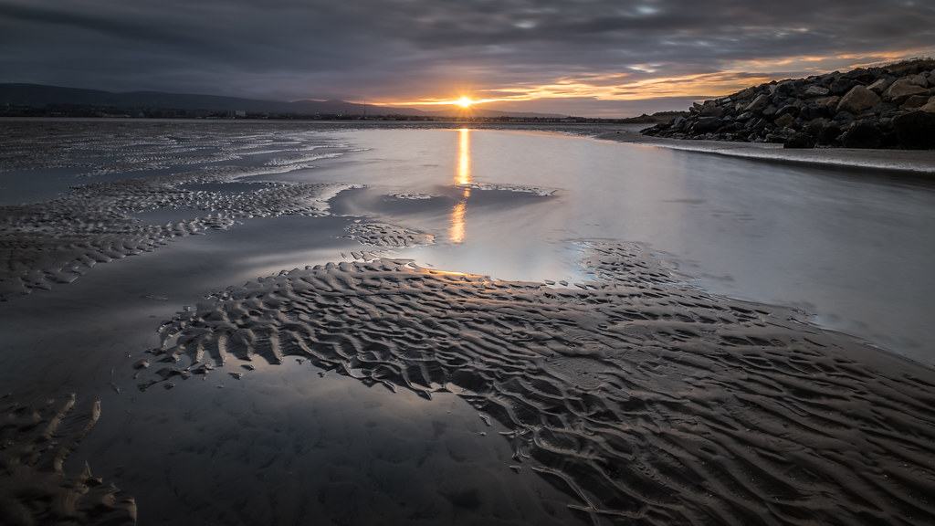 Sandymount at sunset, Dublin, Ireland picture