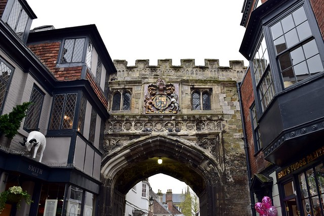 Salisbury High Street Gate/Porter's Lodge