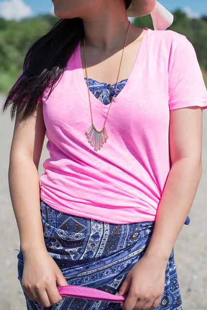 pink tshirt printed maxi