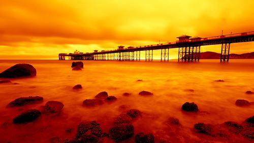 sea sky hot water wales dawn pier llandudno ll jimbell pentaxk5 blinkagain