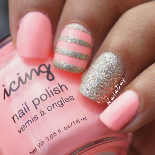 NailaDay: Icing Blow Pop and Sand in Sunset skittlette