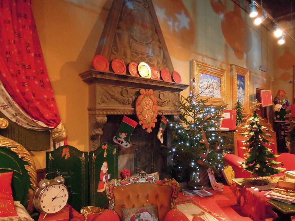 Casa di Babbo Natale Montecatini Terme - caminetto