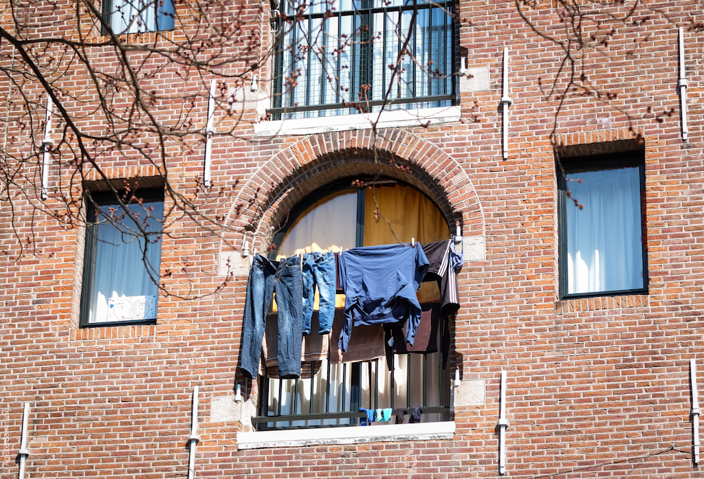 Amsterdam, Laundry in the Sun