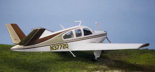 1/48 Academy/minicraft Bonanza V35 - FineScale Modeler - Essential