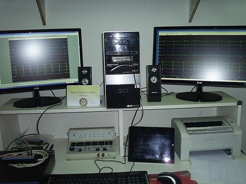 2013 Pirovano 2 Polígrafo y estimulador cardíaco, junto con periféricos