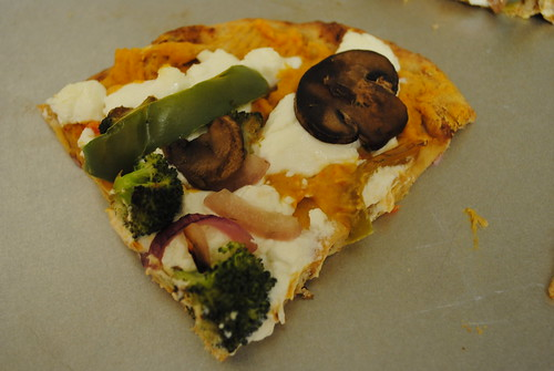 veggie and goat cheese naan pizza (4)