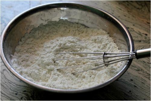 whisk flour mix