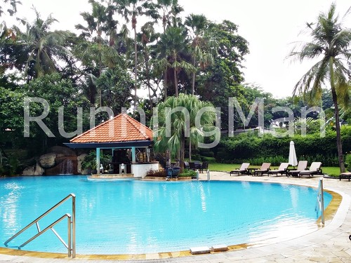 Shangri-La Hotel 05 - Swimming Pool