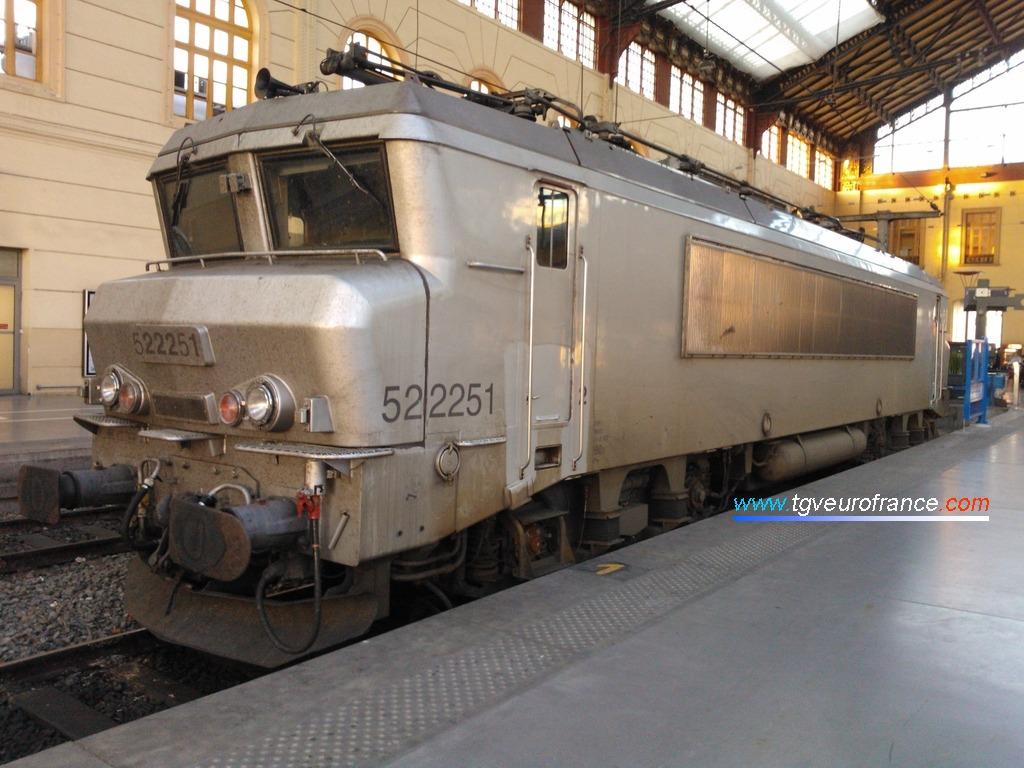 La locomotive BB 22251 SNCF de l'activité Corail Intercités