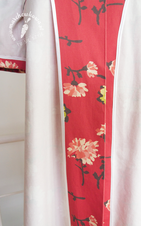 marchewkowa, blog, szafiarki, moda, retro, vintage, krawiectwo, szycie, sewing, maszyna z Lidla, SilverCrest, bawełna, gabardyna, kwiaty, Cottonbee, letni płaszcz, 50s, 60s, lata, szyciowy blog roku 2012, wykończenie zapasów szwów, lamówka