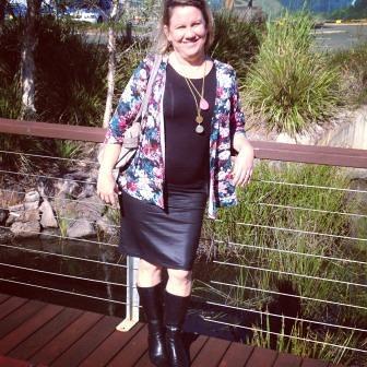 TA DA - my leather look skirt!