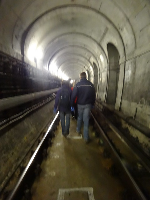 14 - Walking in the Thames Tunnel