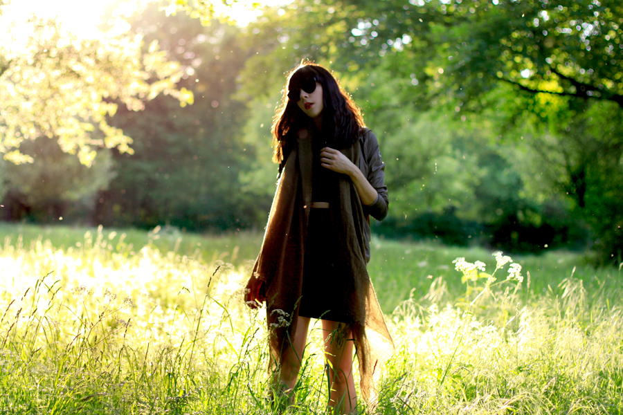 Colmar Originals Jacket Chicwish dress Sacha boots sunset summertime golden hour outfit ootd look styling fashionblogger Berlin Ricarda Schernus CATS & DOGS 4
