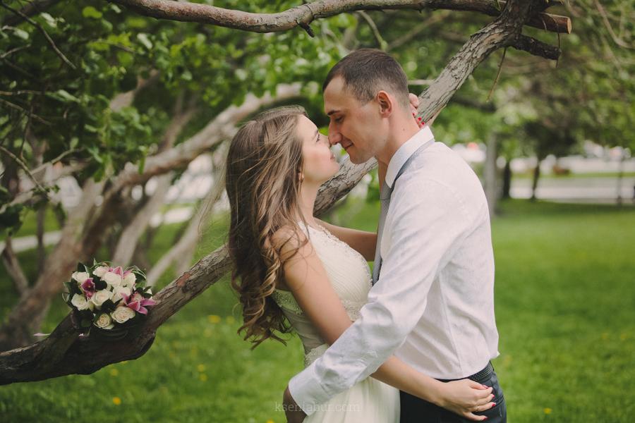 Свадебная прогулка, фотосъемка свадьбы в Новосибирске