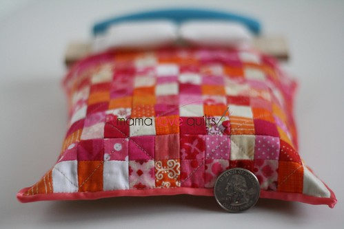 Dollhouse quilt_quarter
