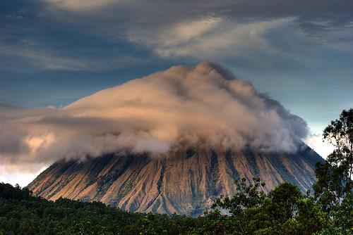 flores sunrise indonesia volcano volcan inerie bajawa nusatenggara