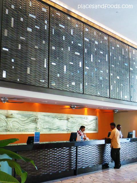 parkroyal penang batu ferringhi lobby