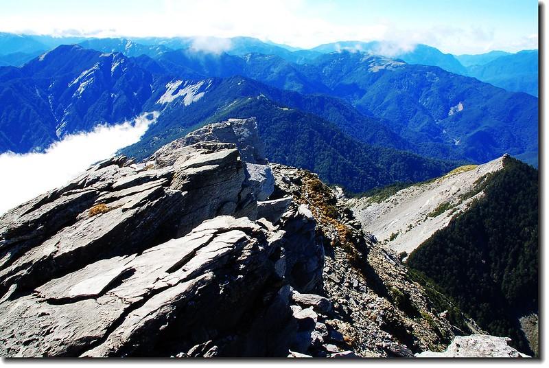 俯瞰死亡稜線(From 中央尖山頂) 2