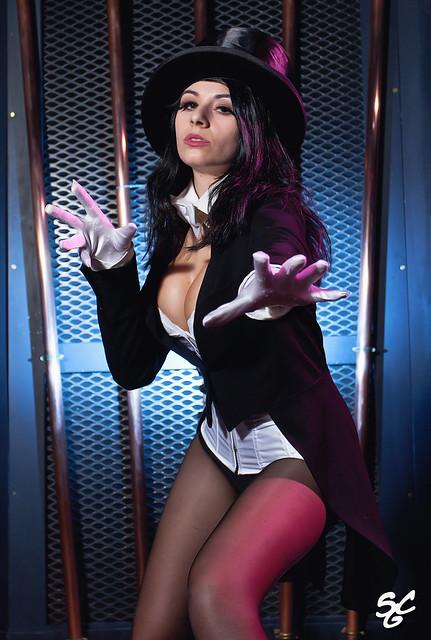 Giada Robin as Zatanna...