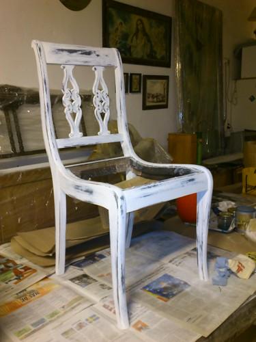 silla lista para barnizar. lacada en negro y con patina blanca desgastada by alialba
