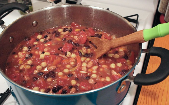 HealthyLatinFood_SmokyBeanChili