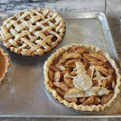 cherry pie(0.0), pie(1.0), breakfast(1.0), baking(1.0), linzer torte(1.0), baked goods(1.0), produce(1.0), food(1.0), dish(1.0), apple pie(1.0),