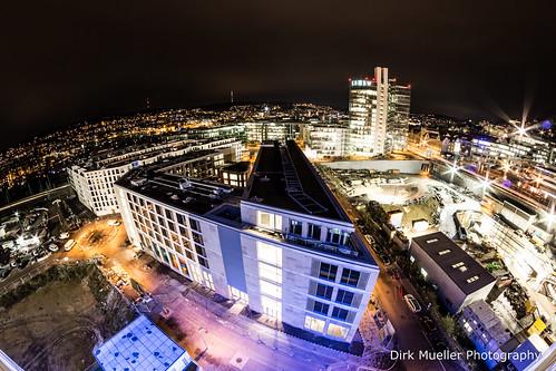 Hoch über den Dächern von Stuttgart am Bahnhof. by Dirk Mueller Photography