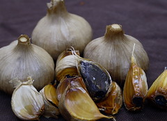 onion(0.0), shallot(0.0), thistle(0.0), plant(0.0), winter squash(0.0), vegetable(1.0), garlic(1.0), produce(1.0), food(1.0),