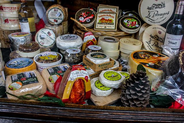 Productos típicos belgas en un puesto callejero