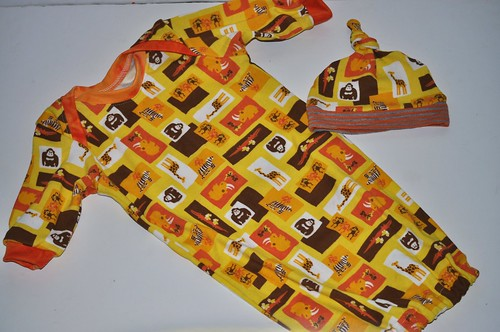 Bumstoppers 0-3 Gown and Knotie Hat Yellow Choc Zoo